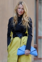 Serena's blue clutch at Singer 22