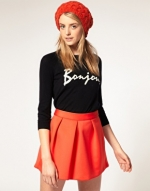 Red knit beanie like Hannas at Asos