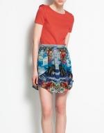 Hanna's printed skirt at Zara