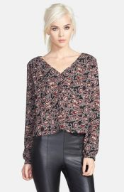 ASTR Long Sleeve V-Neck Top at Nordstrom