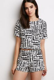 Abstract Print Top  Forever 21 - 2000116264 at Forever 21