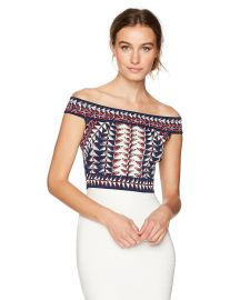 BCBGMAXAZRIA Women s Kayann Jacquard Knit Crop Top at Amazon