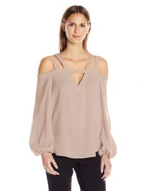 BCBGMAXAZRIA Women s Tina Woven Exposed Shoulder Top at Amazon