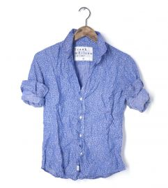 Barry shirt in blue floral linen at Frank & Eileen