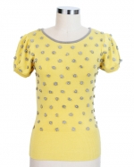 Carrie's yellow sweater at Hello Holiday at Helloholiday