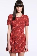 Wornontv Clara S Red Printed Dress With Black Collar On