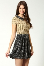 Contrasting dress with collar at boohoo at Boohoo