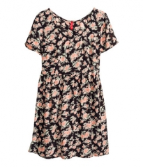 Crinkled floral dress at H&M