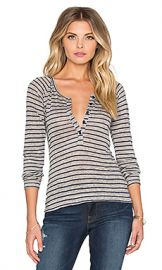 FRAME Denim Le Henley Raglan Tee in Navy Stripe from Revolve com at Revolve