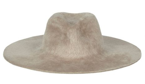 Gia Hat at Gladys Tamez
