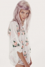 Scarlett's Wildfox sweater  at Boutique To You
