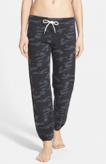 Monrow Camo Print Vintage Fleece Sweatpants in Black at Nordstrom