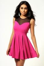 Pink and black dress like Arias at Boohoo