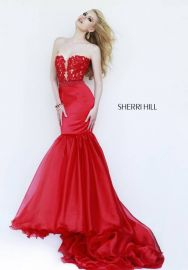 Sherri Hill  at Prom Girl