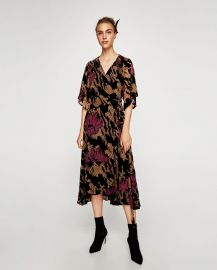devor   velvet midi dress at Zara
