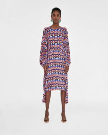 geometric print pleated dress at Zara